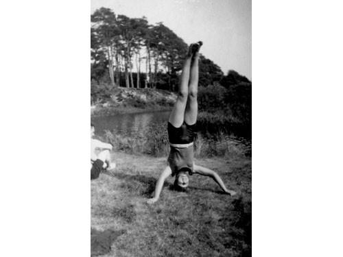 yogakh-8849908964
